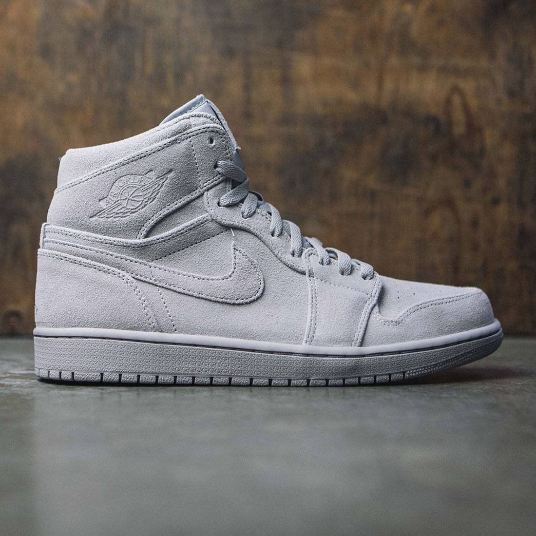 top fashion outlet on sale info for Air Jordan 1 Retro High Men (wolf grey / wolf grey)