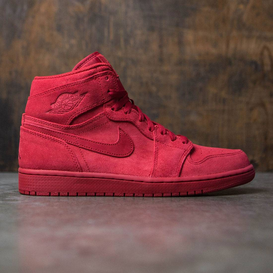 c1d1eea7989f jordan men air jordan 1 retro high red gym red