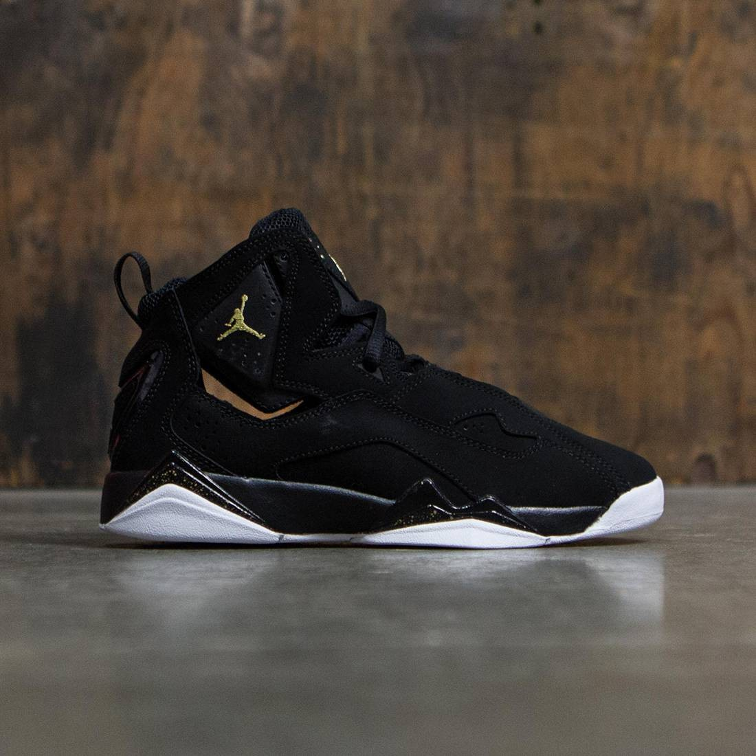 low priced 8f0bd efe60 Jordan Big Kids Jordan True Flight (GS) (black   metallic gold-black-white)