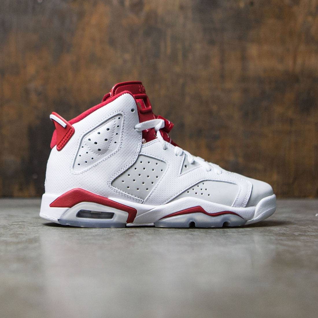 Air Jordan 6 Retro (GS) Big Kids (white / gym red-pure platinum)