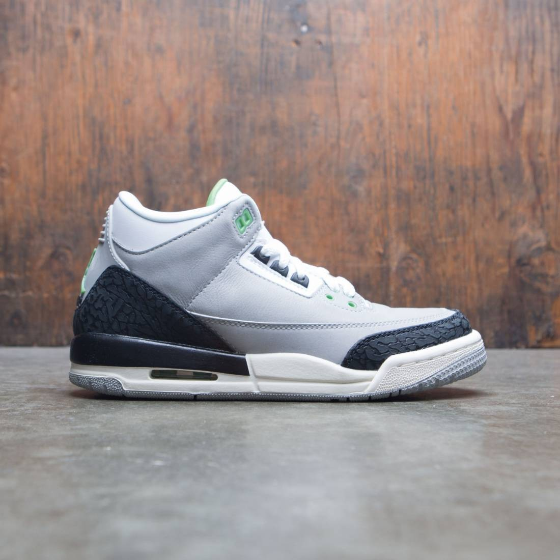 best service 39b7f 62af5 Air Jordan 3 Retro Big Kids (GS) (lt smoke grey / chlorophyll-black-white)