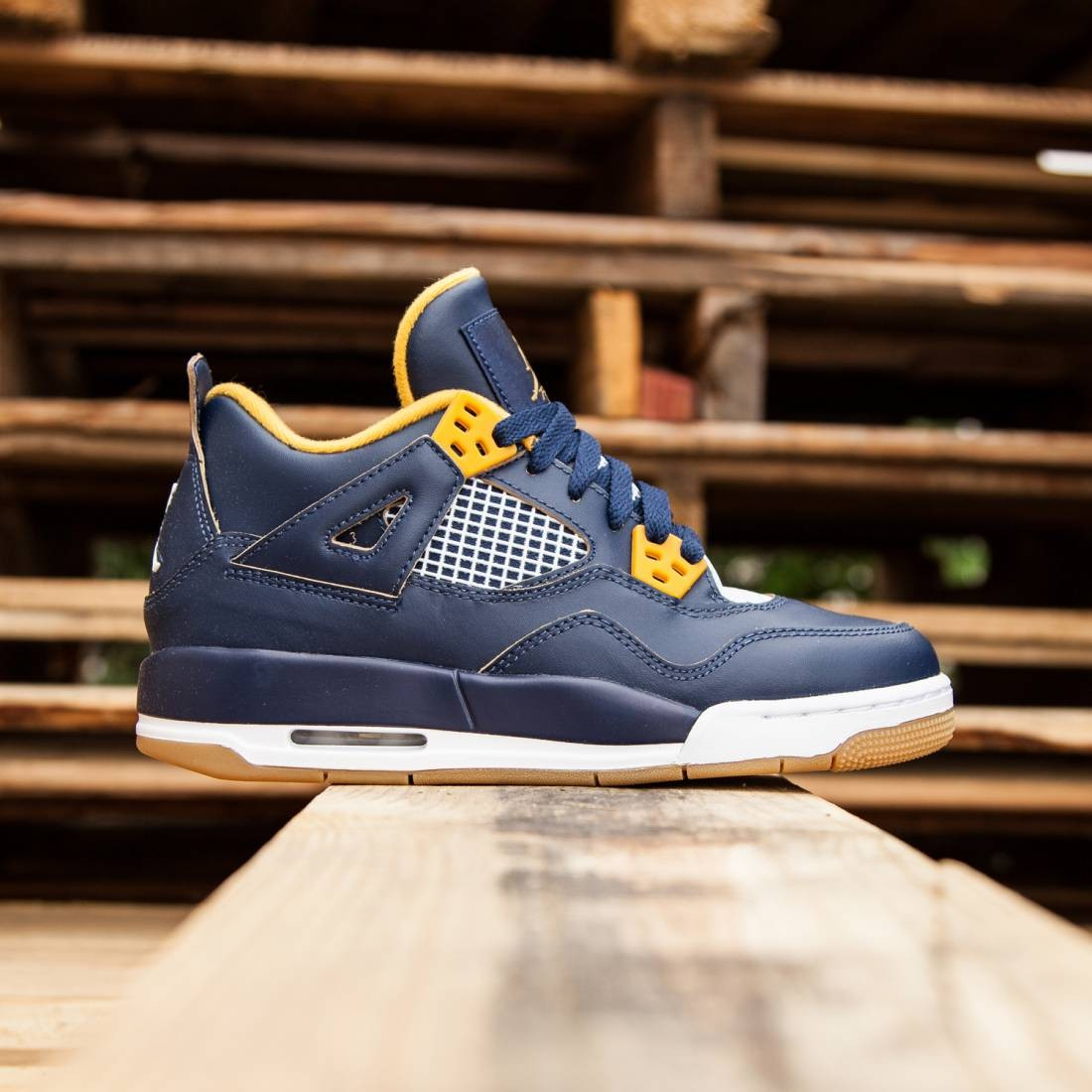 Air Jordan IV Retro GS Dunk From Above Big Kids (midnight navy/gold leaf/white/mtlc gold star)