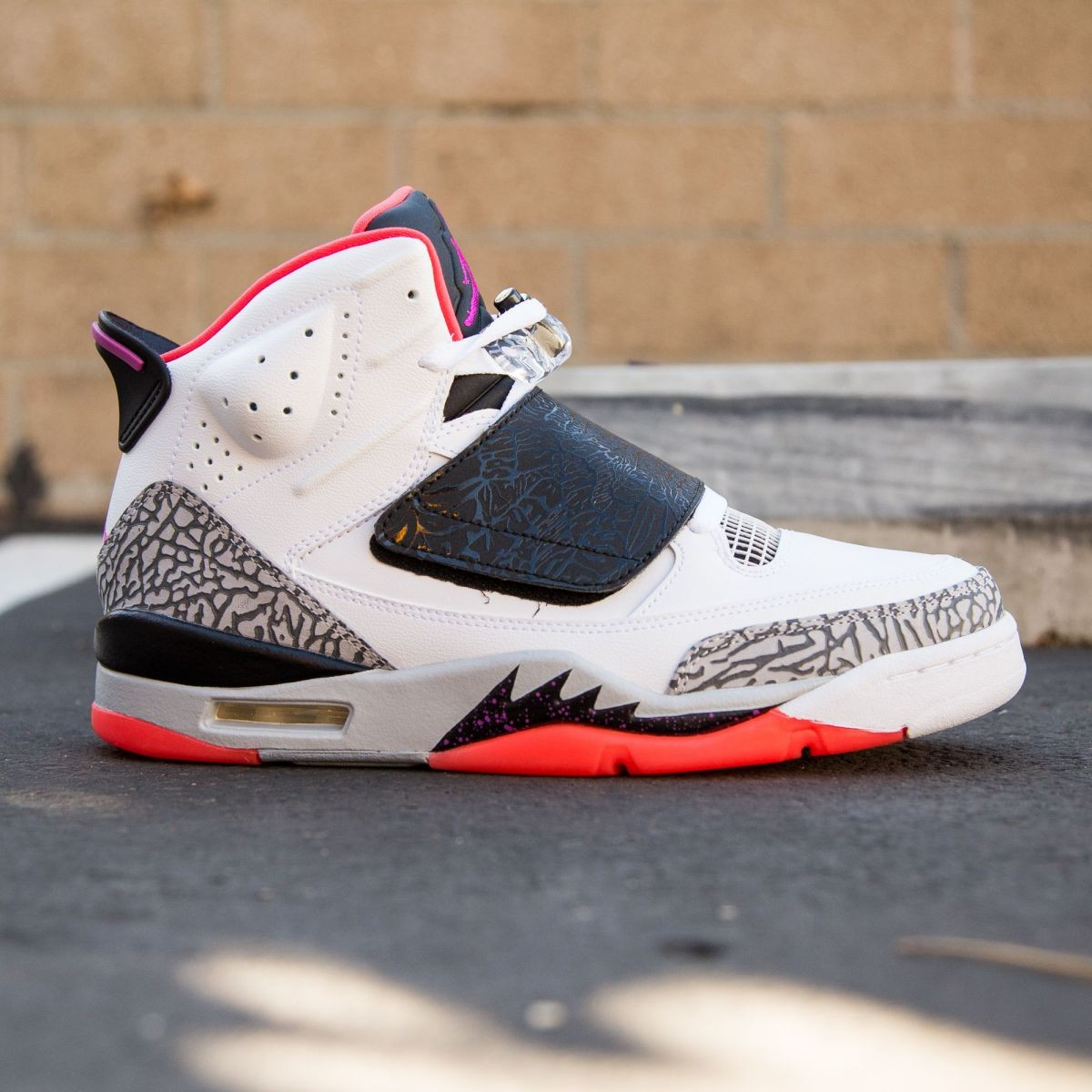 the latest 649a7 44360 Jordan Men Air Jordan Son of Mars - Hot Lava white black wolf grey