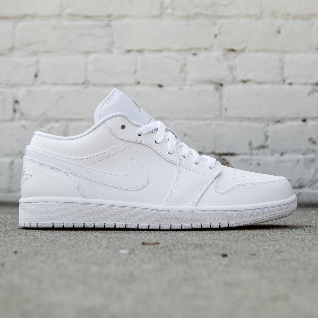 the latest bfc50 d60c0 Air Jordan 1 Low Men (white / metallic silver / white)