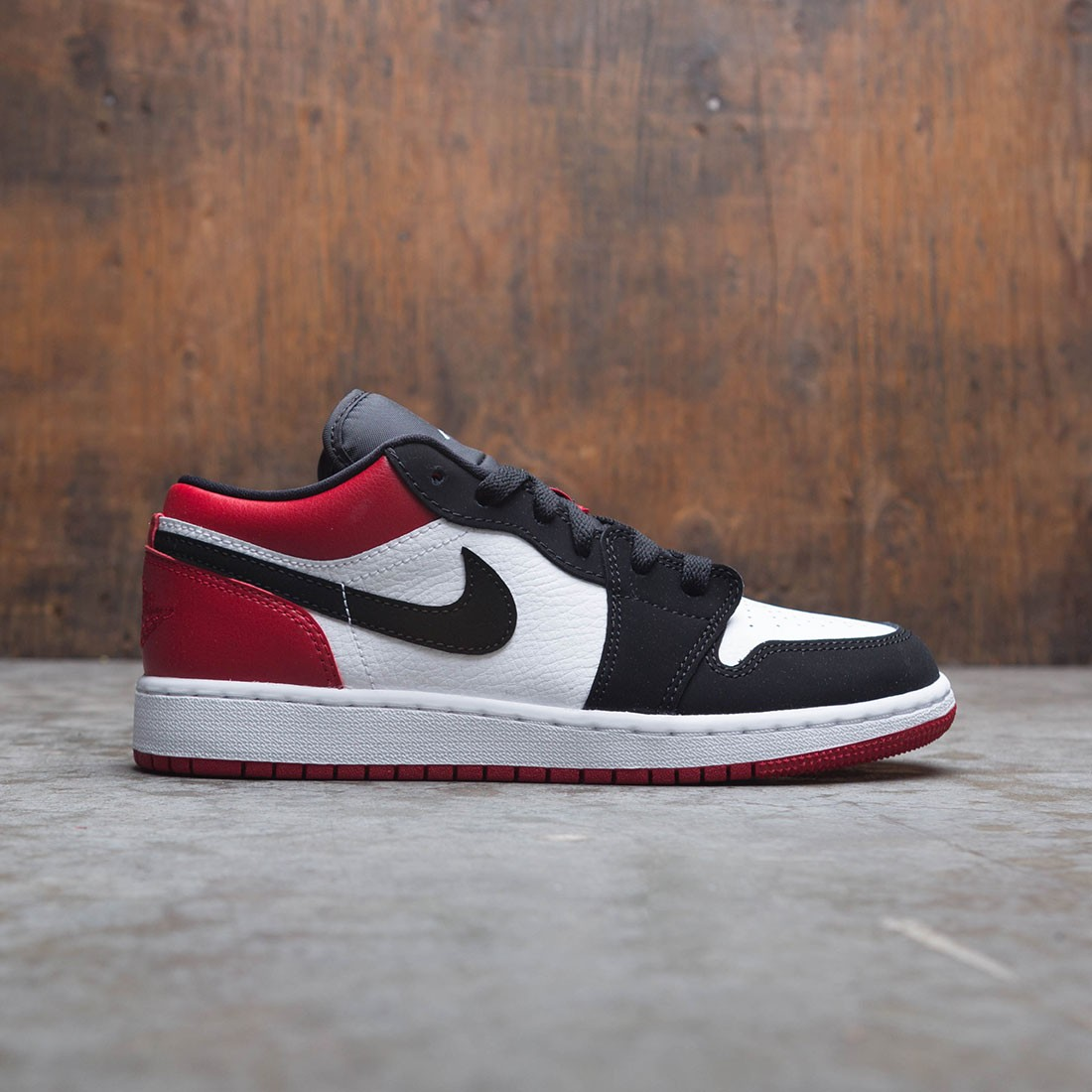 uk cheap sale best new images of Air Jordan 1 Low Big Kids (white / black-gym red)
