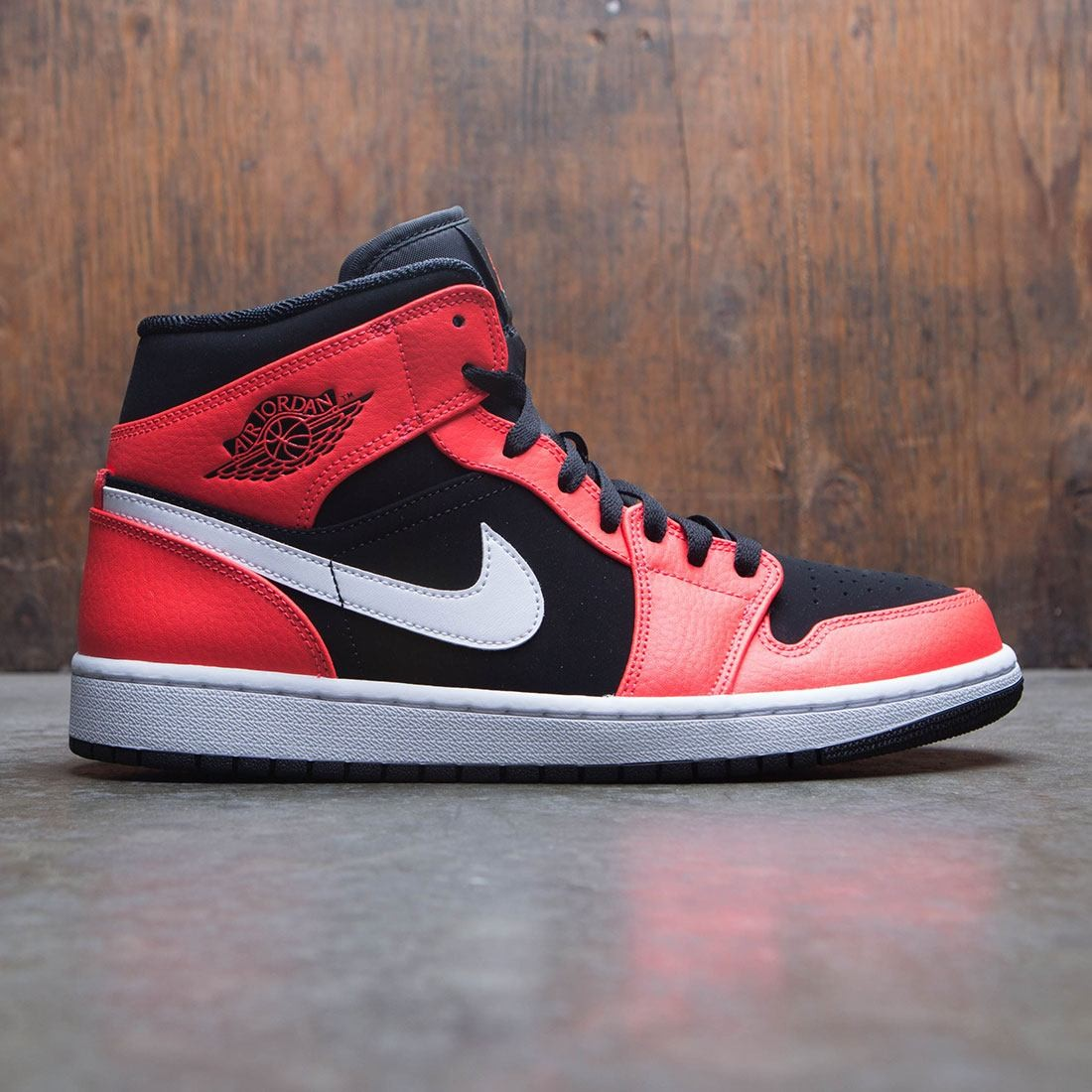 the latest 1acf1 f6651 jordan men air jordan 1 mid black infrared 23 white