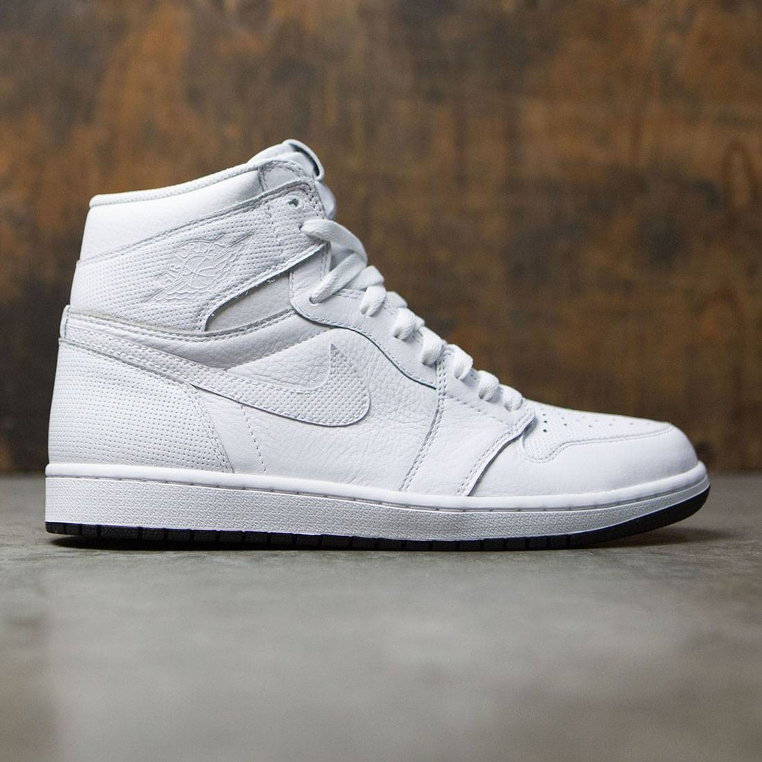9d998f8b83f4 Jordan Men Air Jordan 1 Retro High OG (white   black-white)