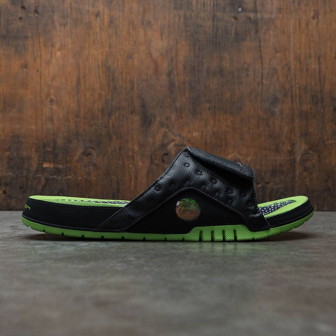 various colors ee9f0 aeea6 Jordan Men Hydro XIII Retro Slide (black / altitude green-altitude green)