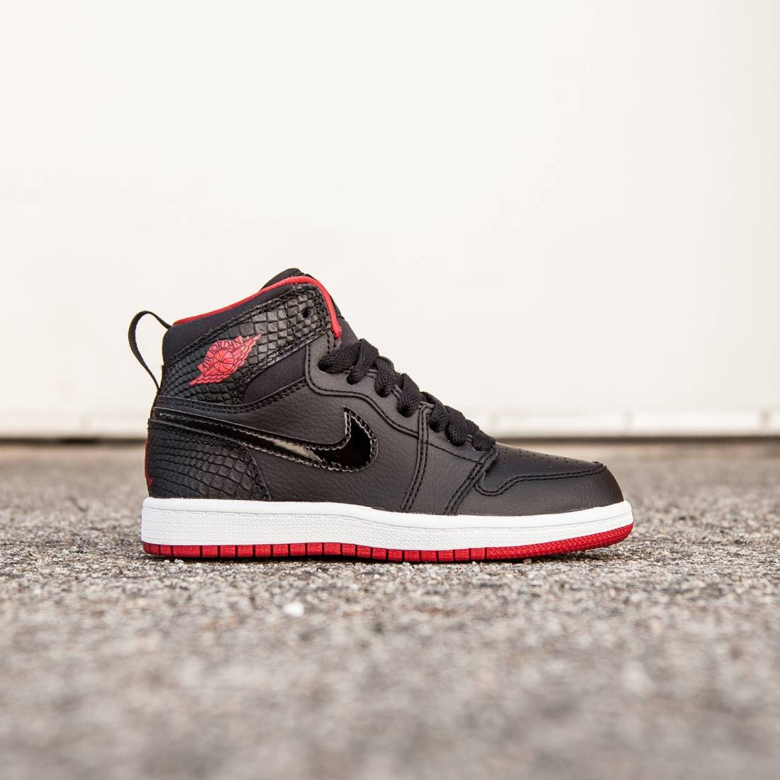 new style 5a722 1161a Jordan Little Kids Jordan 1 Retro High (black white  gym red)