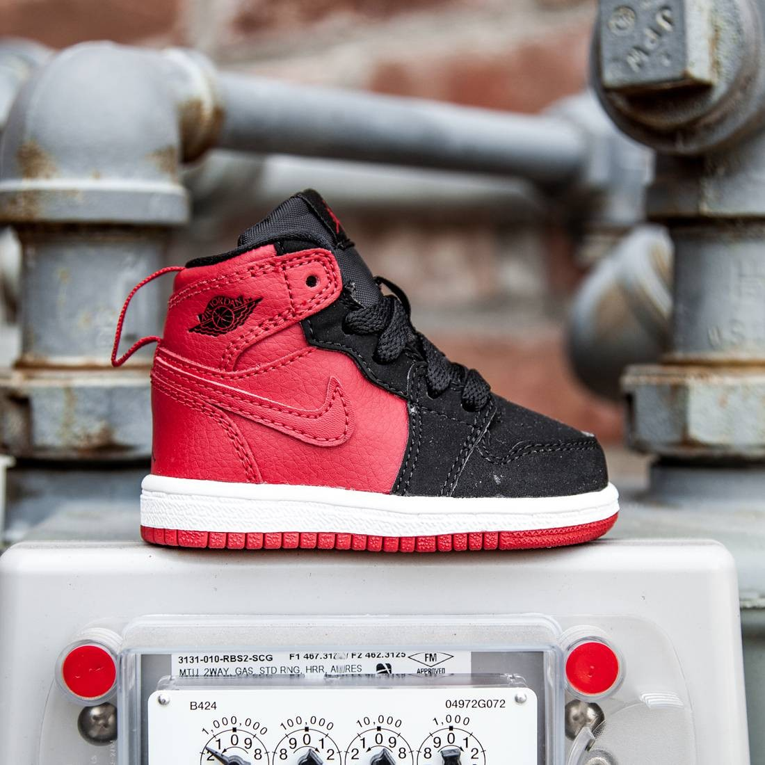 Air Jordan 1 Retro High BT Toddlers (red / gym red / black / white)