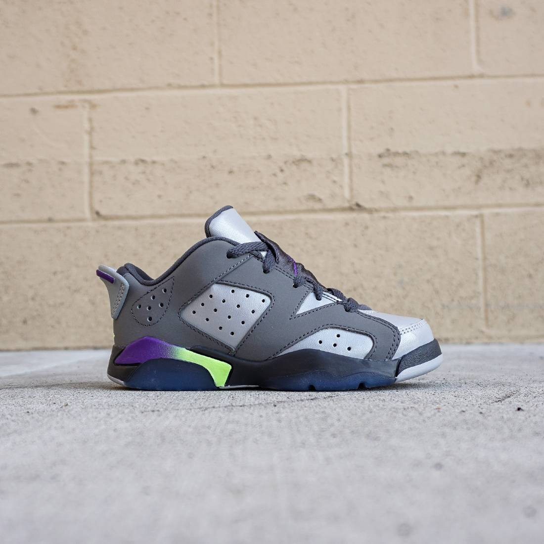Air Jordan 6 Retro Little Kids (gray / ultra violet / ghost green)