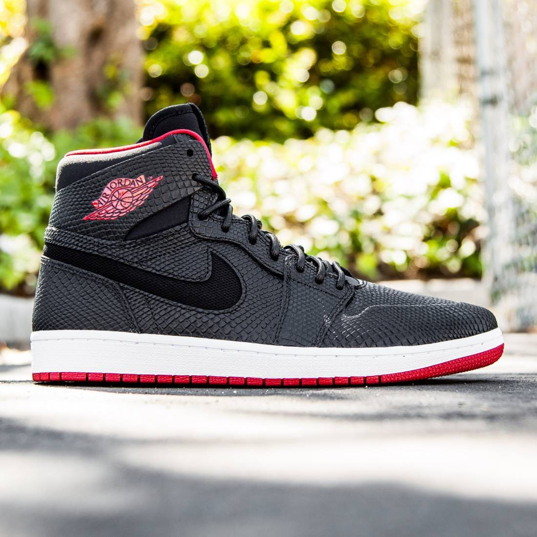 release date 61a3f d3590 Jordan Men Air Jordan 1 Retro High Nouveau (black white  gym red)