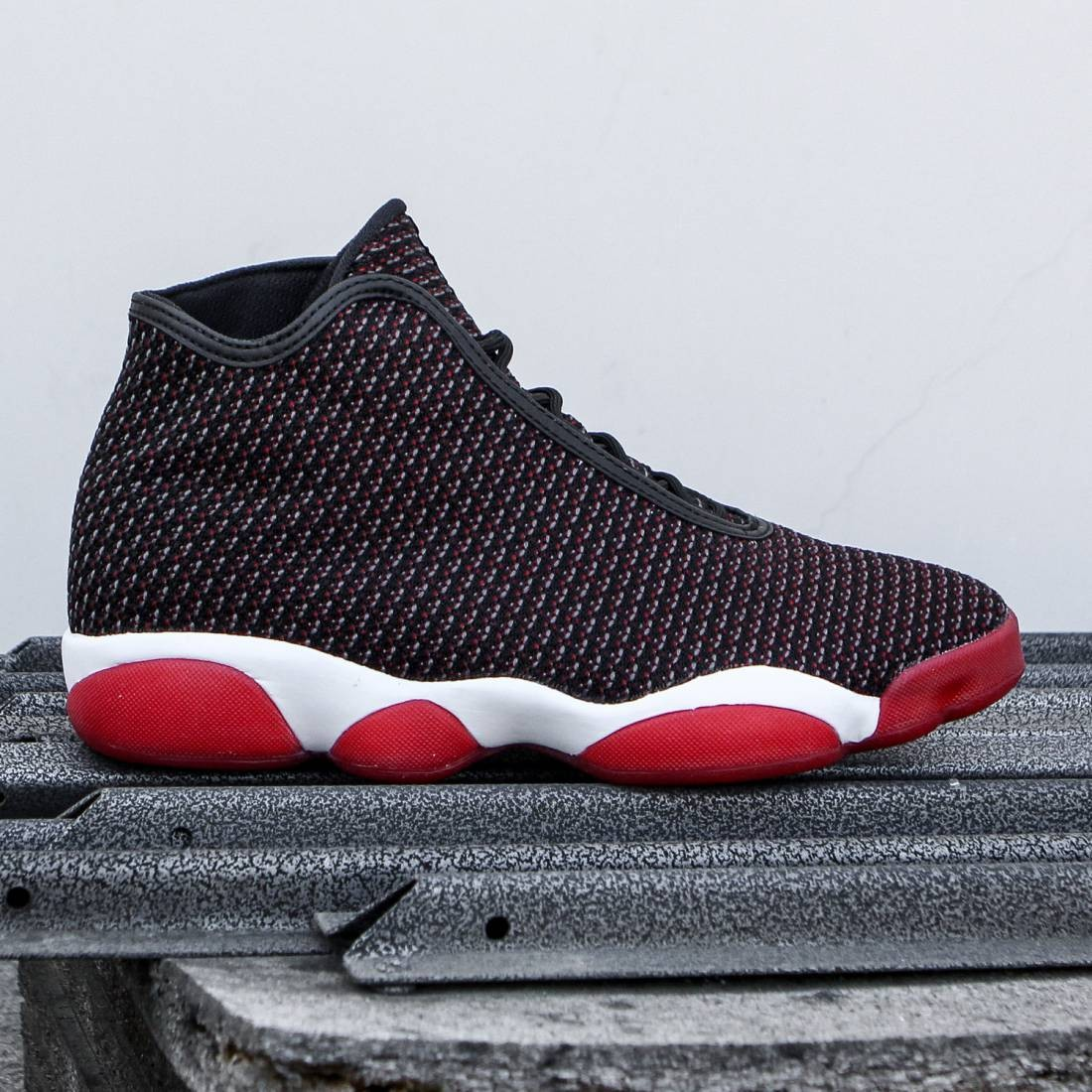 Jordan Men Jordan Horizon (black dark grey white gym red) efb9a804fb9e