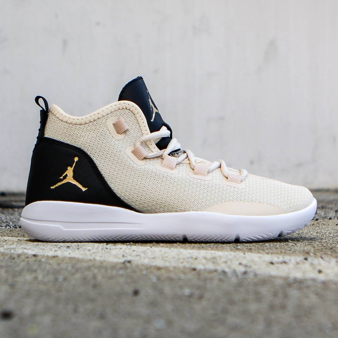 Jordan Big Kids Jordan Reveal Premium HC GS pearl white black white  metallic gold 8b6798d6d