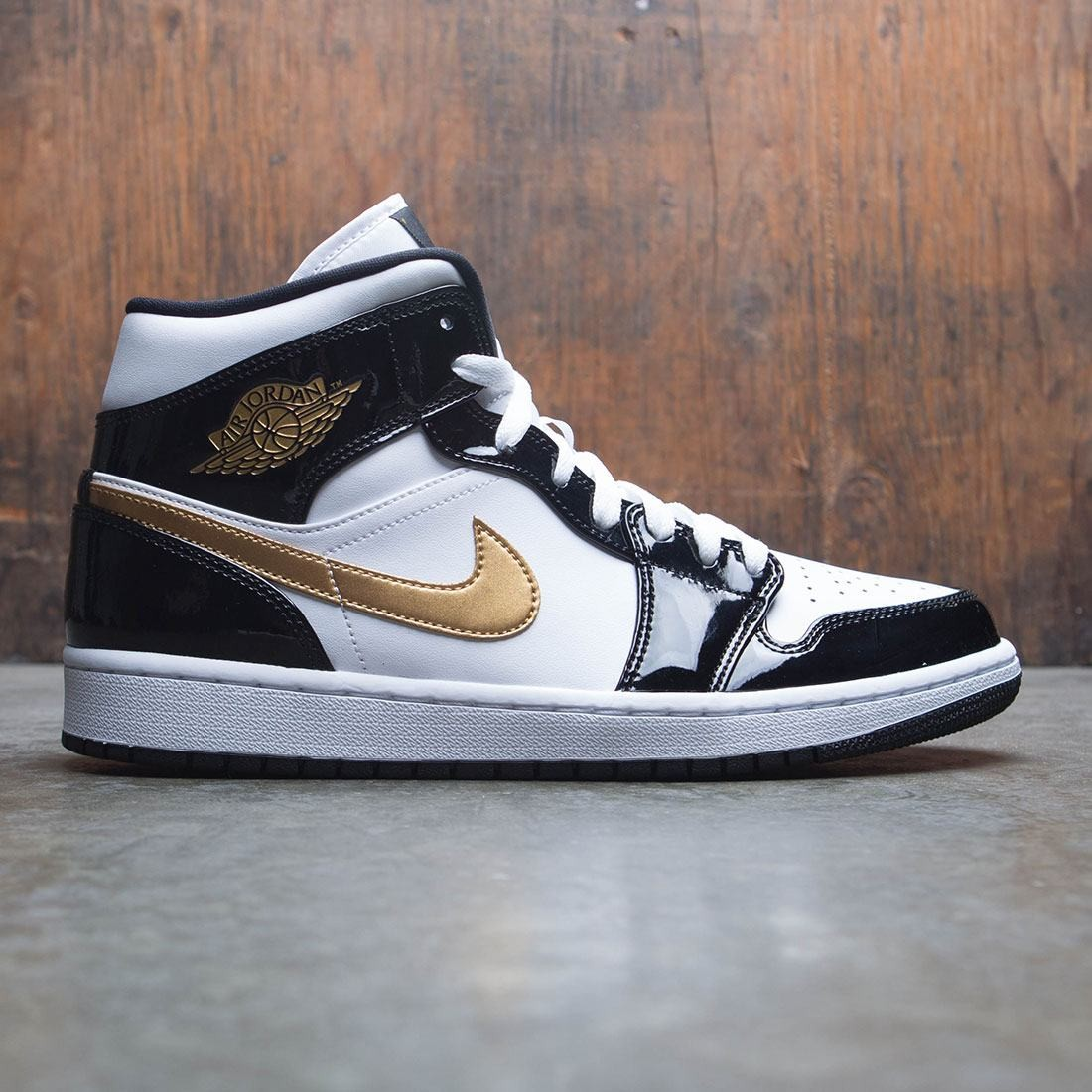 best service 550ca 623ae jordan men air jordan 1 mid se black metallic gold white