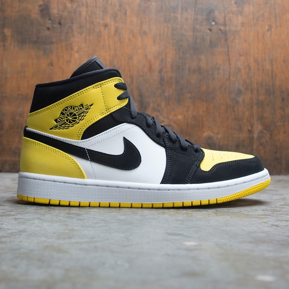 new york new specials outlet for sale Air Jordan 1 Mid SE Men (black / black-tour yellow-white)