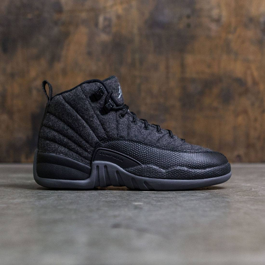 Jordan Big Kids Air Jordan 12 Retro Premium (GS) (dark grey / metallic silver-black)