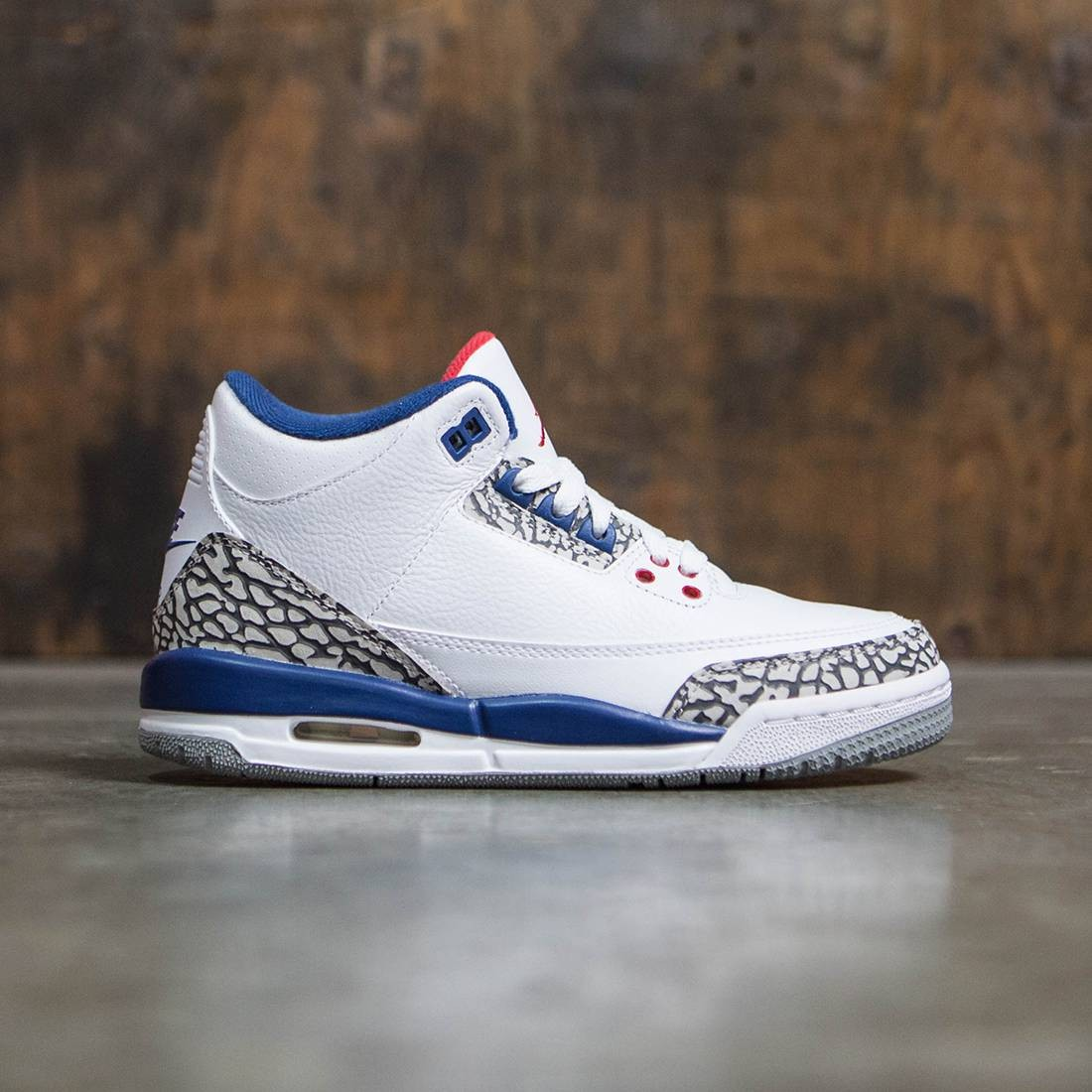 brand new 459e1 42c5c Jordan Big Kids AIR JORDAN 3 RETRO OG BG True Blue (white   fire red-true  blue-cement grey)