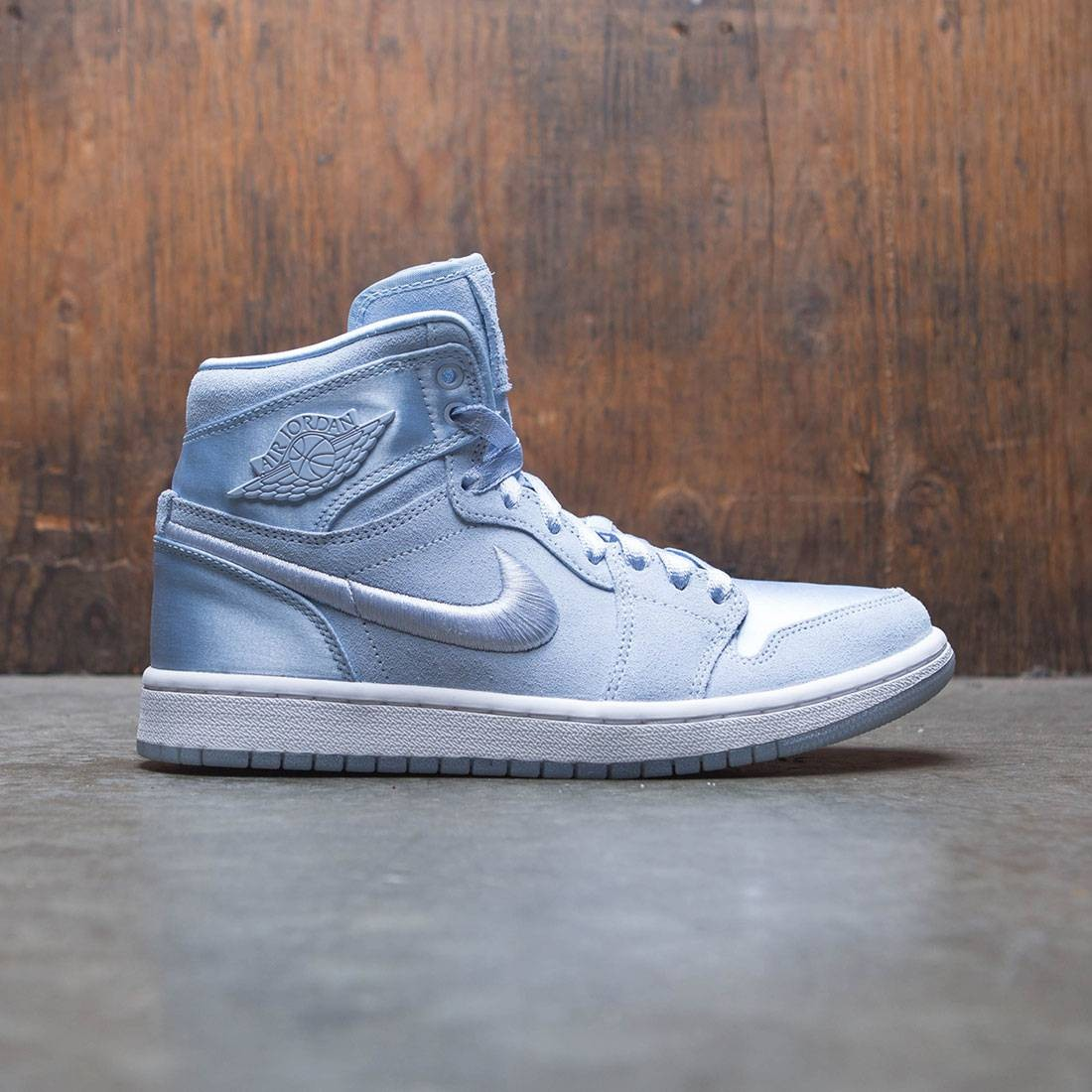 low priced d0521 d0bce jordan women air jordan 1 retro high summer of high hydrogen blue white  metallic gold