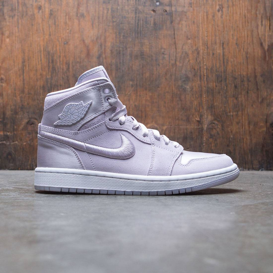 d57dbff2e6 Air Jordan 1 Retro High Summer of High Women (barely grape / white-metallic  gold)