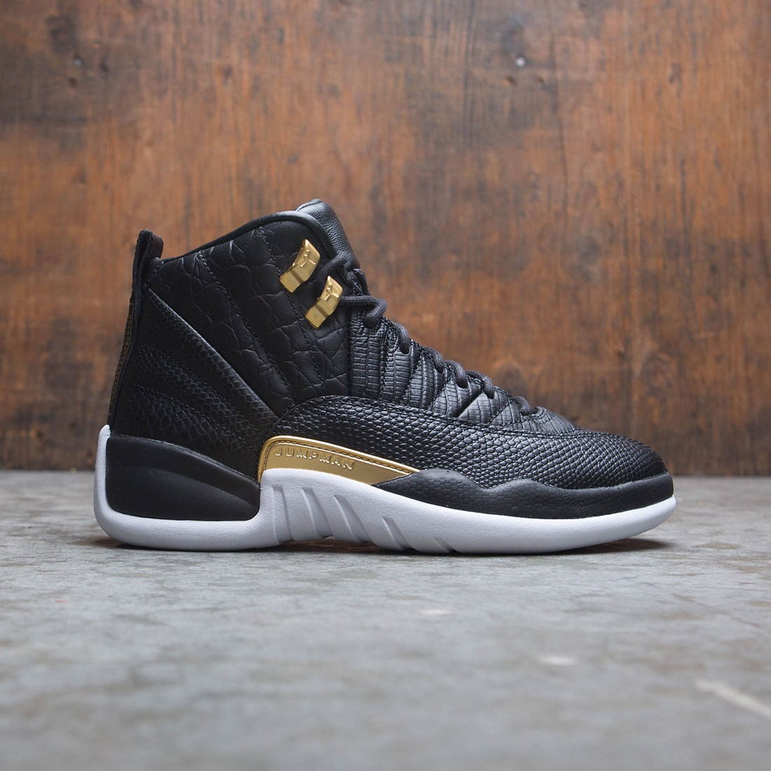 hot sale online 9698d 6219d Air Jordan 12 Retro Women (black / metallic gold-white)