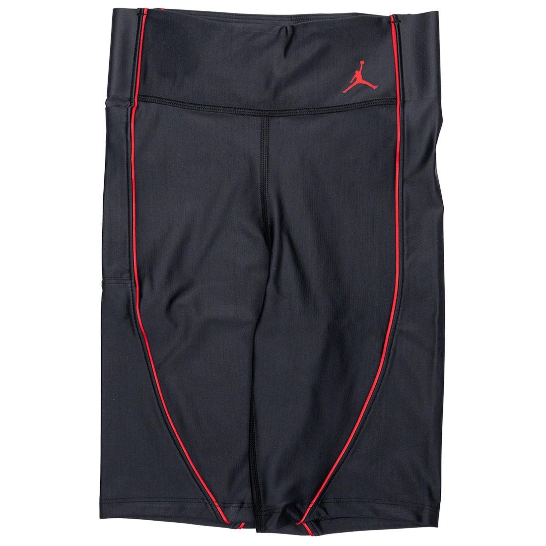Jordan Women Essential Nike Shorts (black / black / university red)