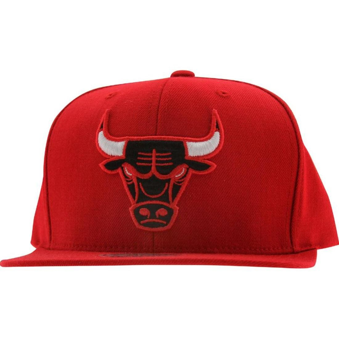 77c184730de Mitchell And Ness Chicago Bulls NBA Wool Solid Snapback Cap (red)