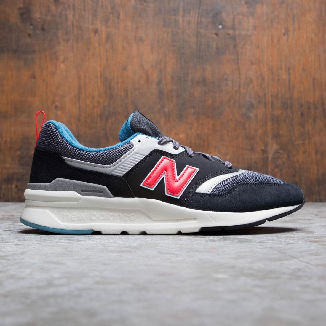 check out 8460c 8d6e5 New Balance Men 997 CM997HAI (black / magnet / energy red)