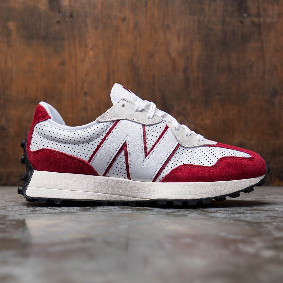 New Balance Men 327 MS327PE (white / scarlet)