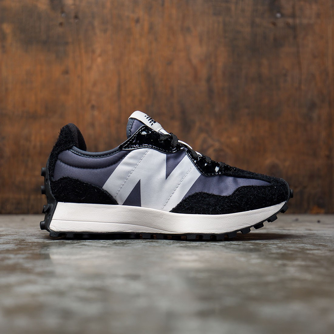 New Balance Women 327 WS327SFC (black / orca)