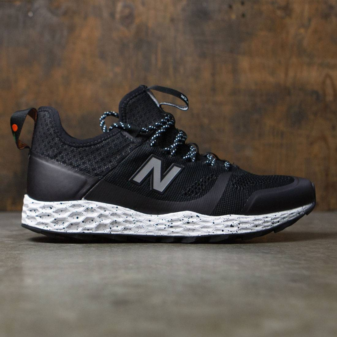 984e8b3a5dd New Balance Men Fresh Foam Trailbuster MFLTBDBK black white