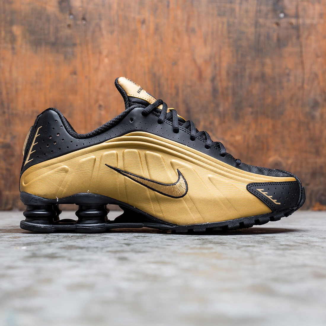 Nike Men Shox R4 (metallic gold / metallic gold-black)