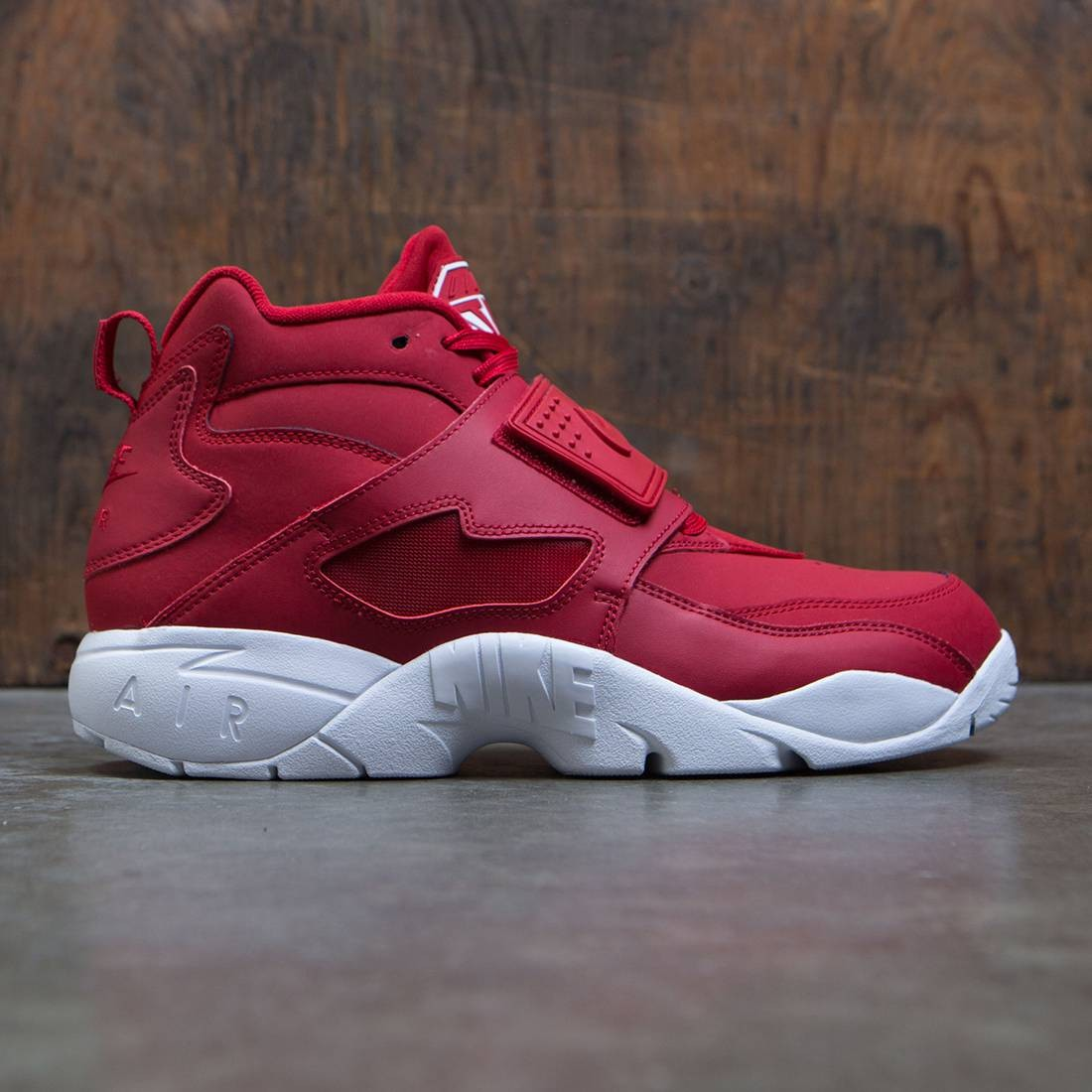 best deals on 72956 27aea Nike Men Air Diamond Turf (gym red / gym red-white)