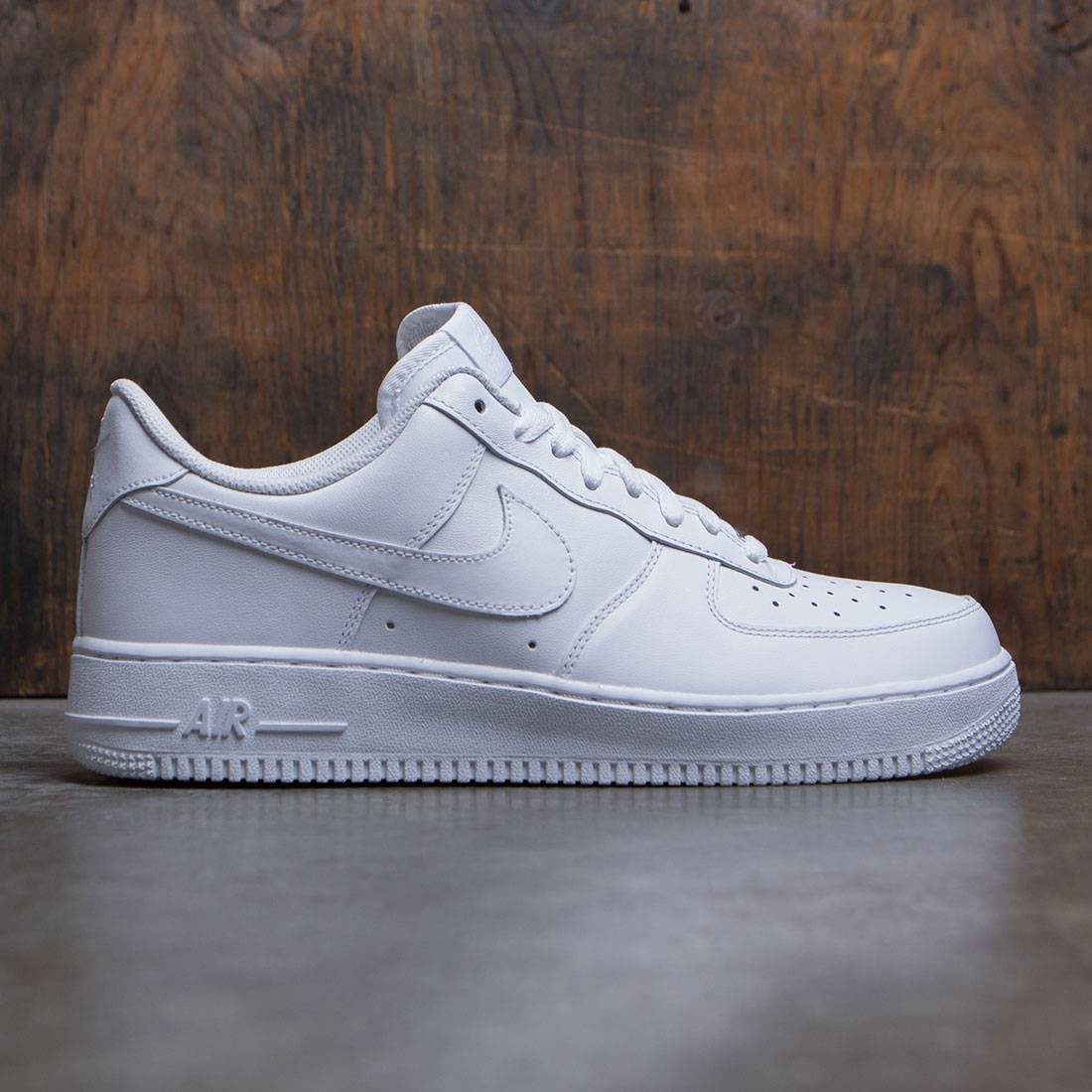 newest 25654 d935f Nike Air Force 1 07 Low white white