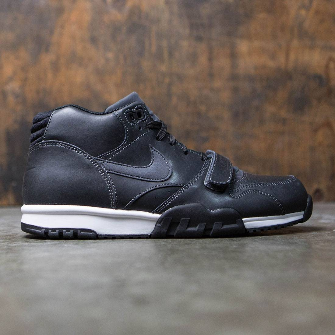 259db676a2ee Nike Men Air Trainer 1 Mid black white