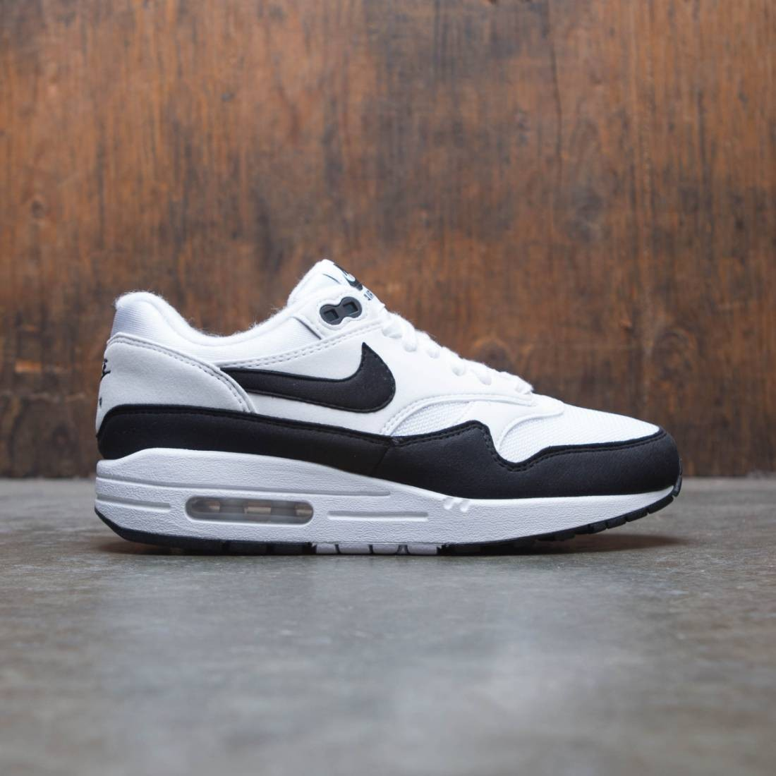 cheap for discount 9b15b 68bc5 nike women air max 1 white black