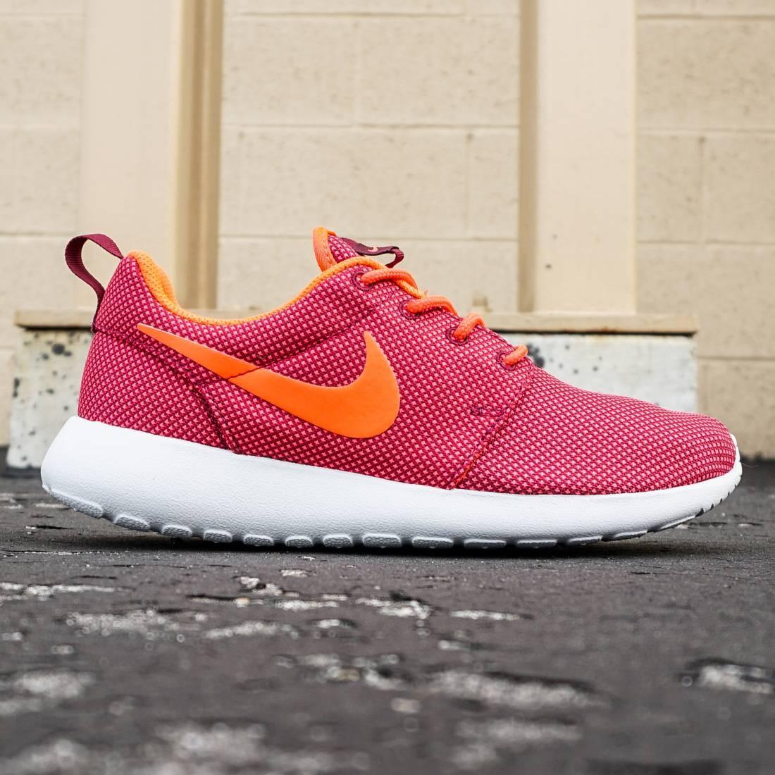 489da411f46e Nike Women Roshe One (burgundy   deep garnet   bright crimson   pure  platinum)