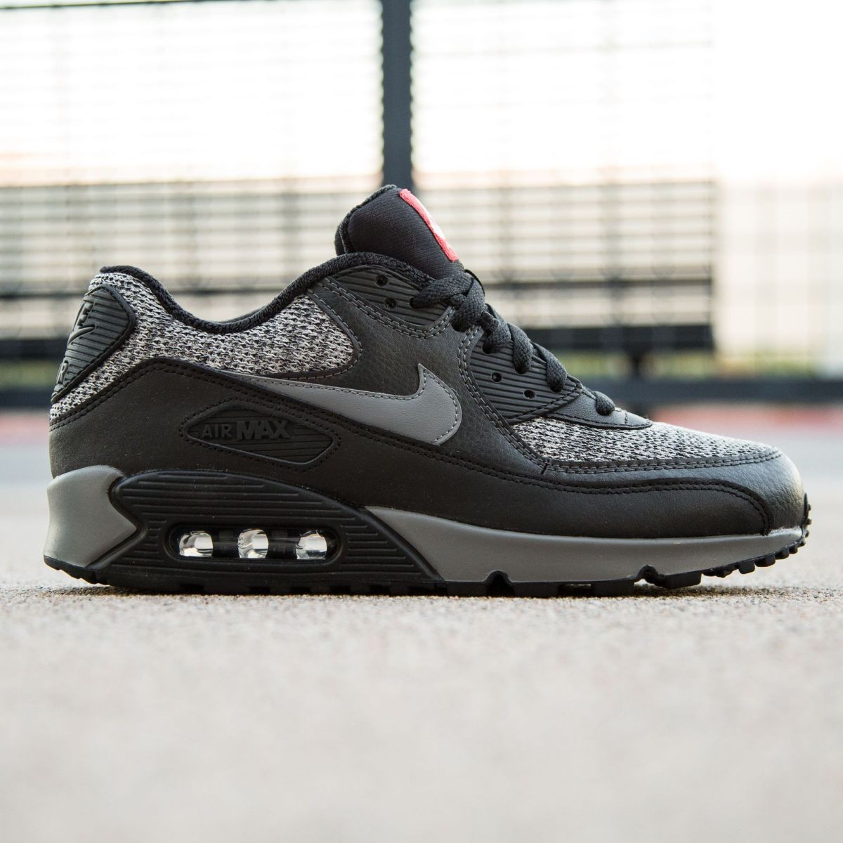 timeless design ff4be 8f537 Nike Men Air Max 90 Essential black cool grey anthracite university red