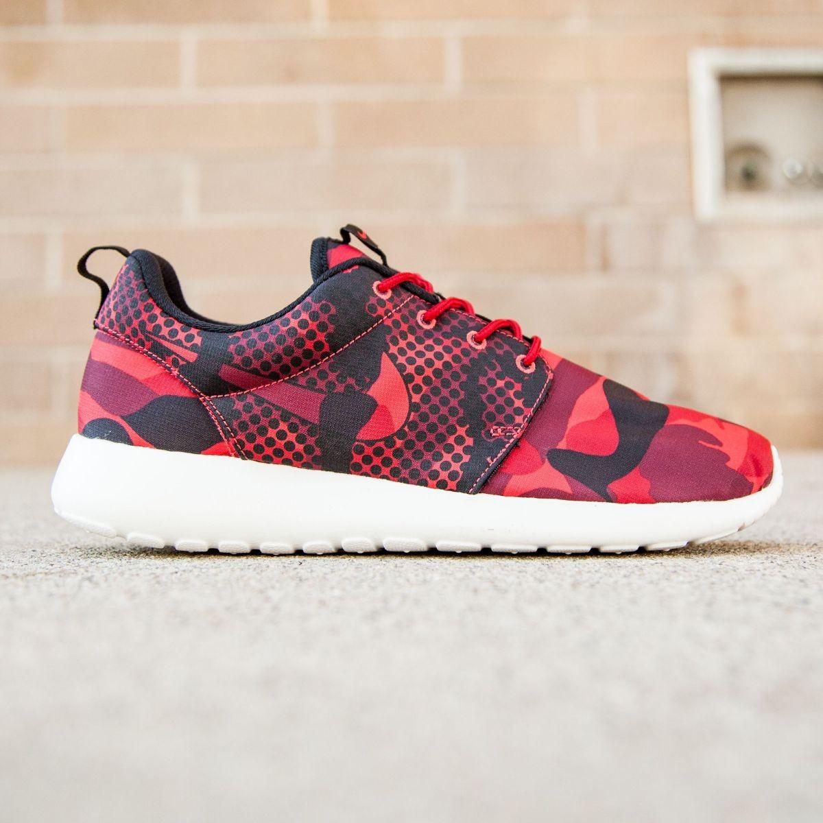 Nike Men Roshe One Print (red / daring red / black / gym red)