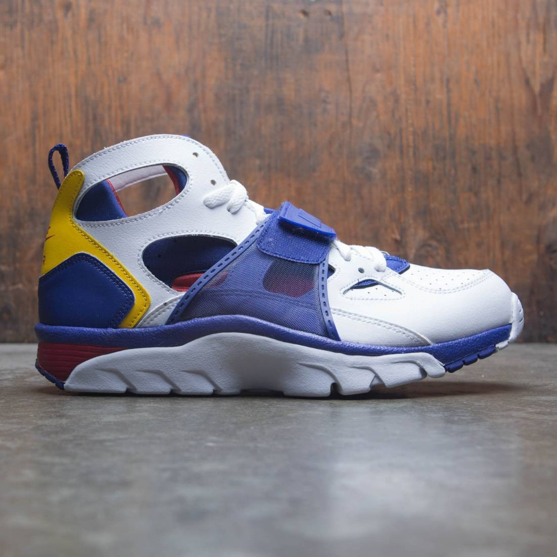 Nike Men Air Trainer Huarache (white / regency purple-amarillo)