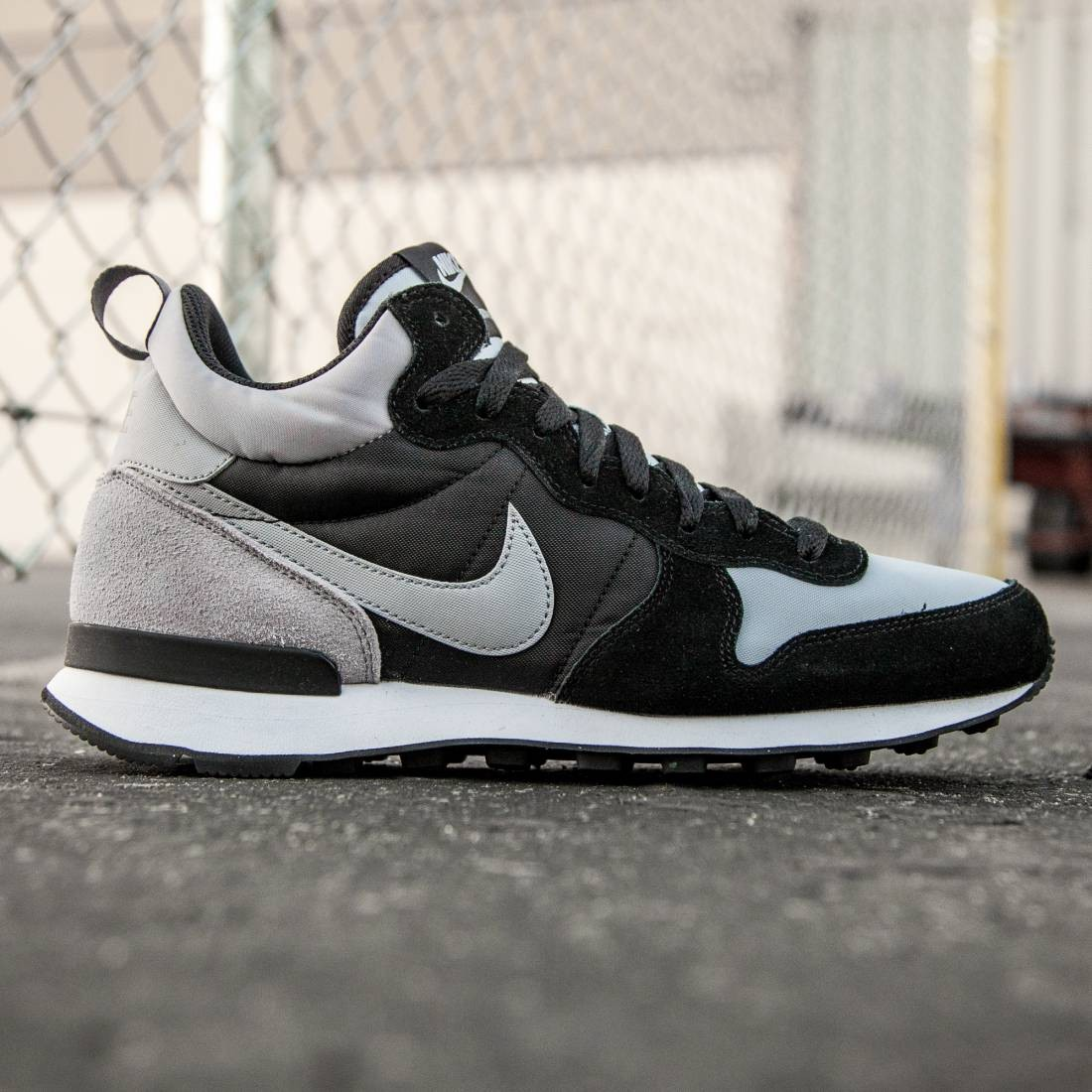 new products f5938 285a8 Nike Men Internationalist Mid gray wolf grey black dark grey
