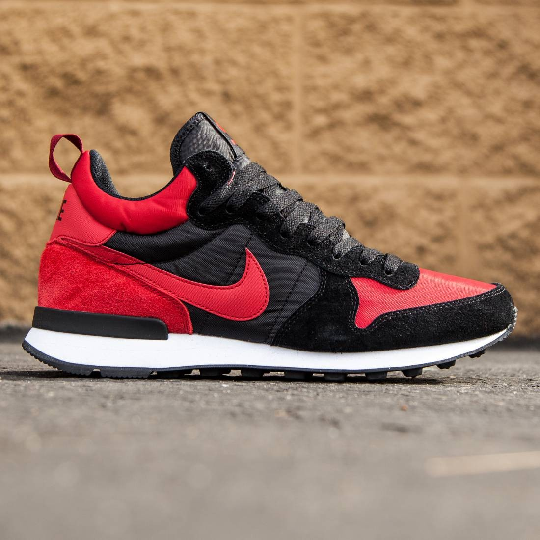 brand new 05d7f 399ed Nike Men Internationalist Mid (red   varsity red   black   white)