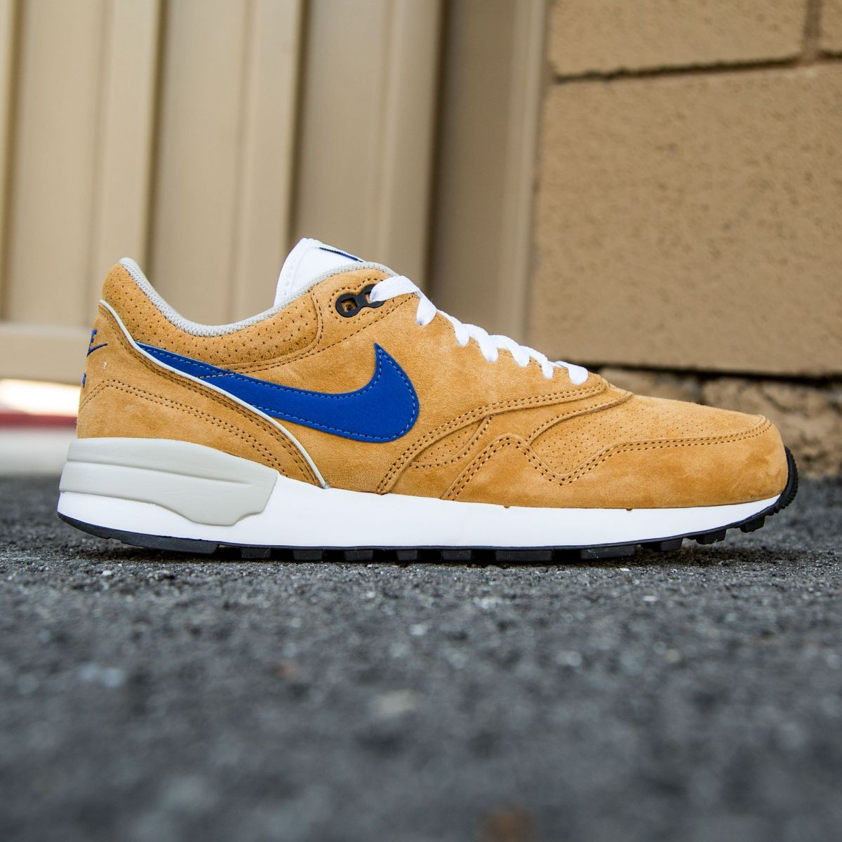 c81ebd671fc0 Nike Men Air Odyssey LTR bronze varsity royal beige