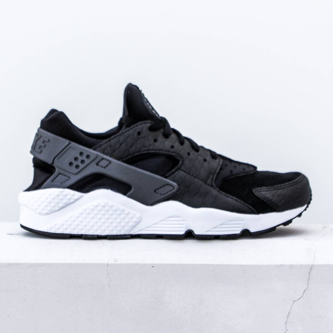 nike huarache black white grey