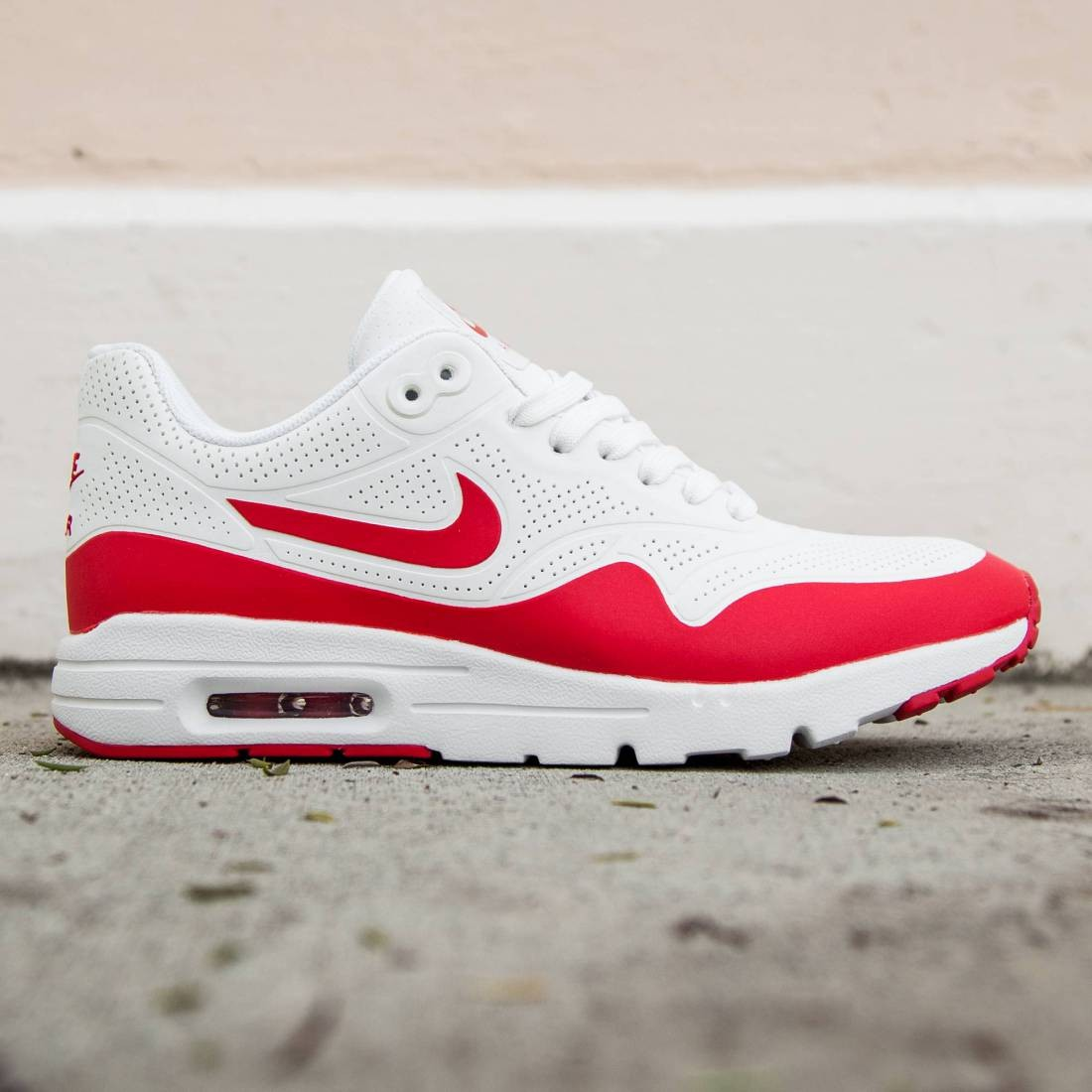 a564cae159d5 Nike Women Air Max 1 Ultra Moire white summit white university red