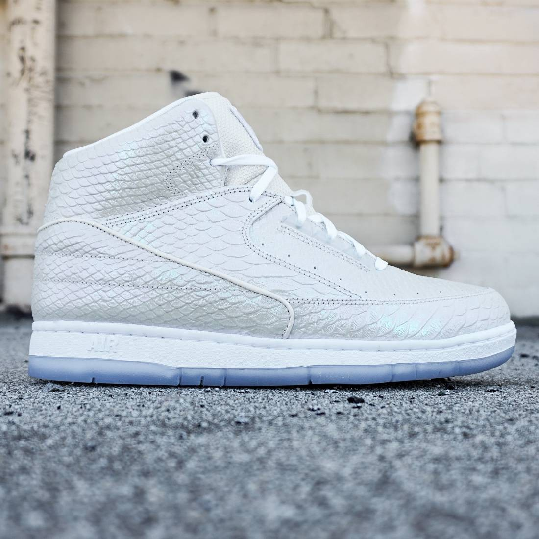 Nike Men Air Python PRM (white)