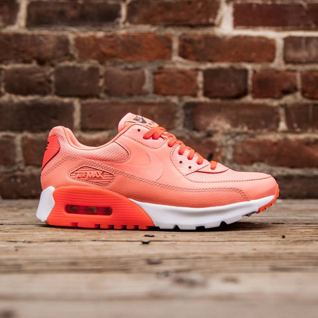 Nike Women Air Max 90 Ultra Essential (atomic pinktotal crimsondark greyatomic  pink)