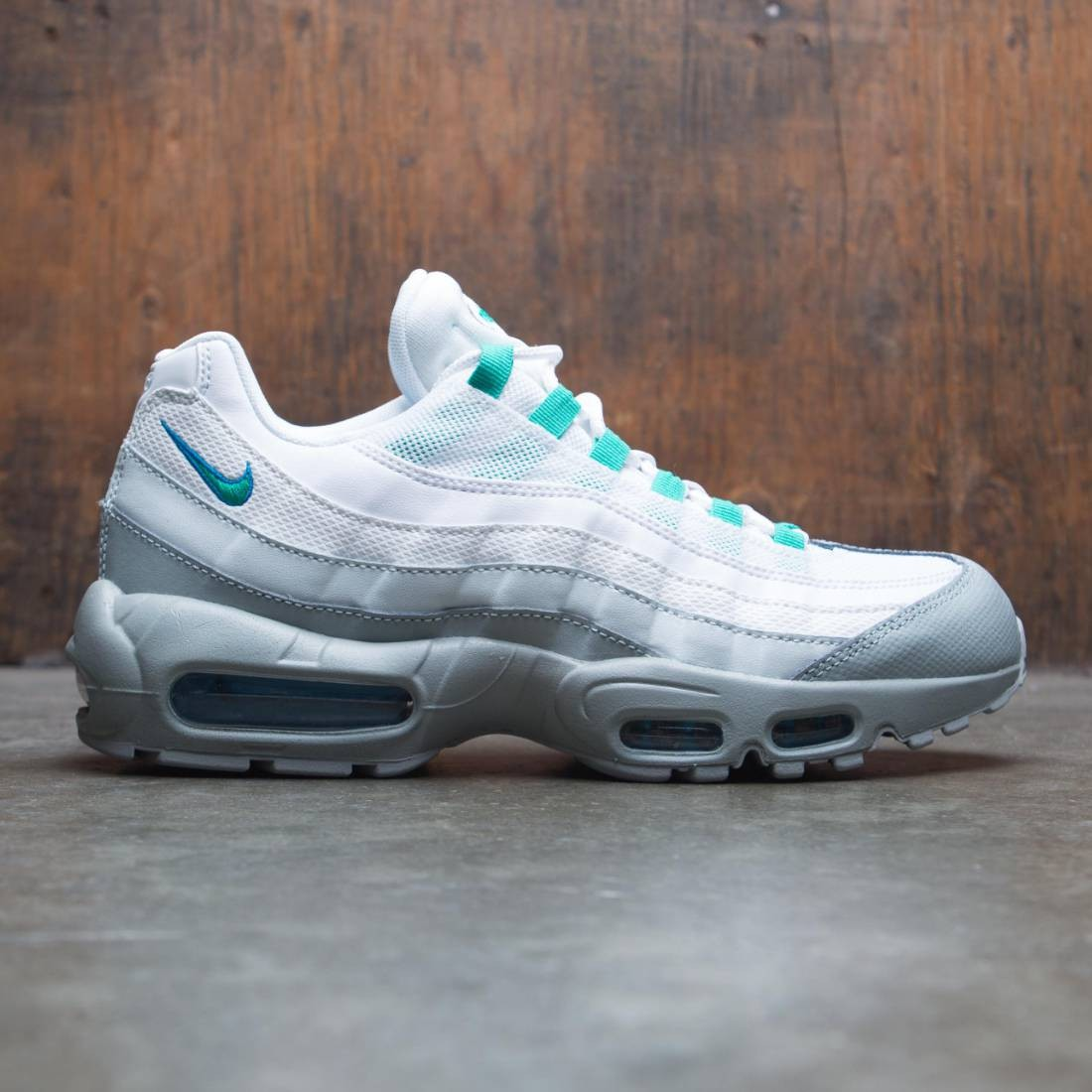 Nike Men Air Max 95 Essential (light pumice clear emerald white)