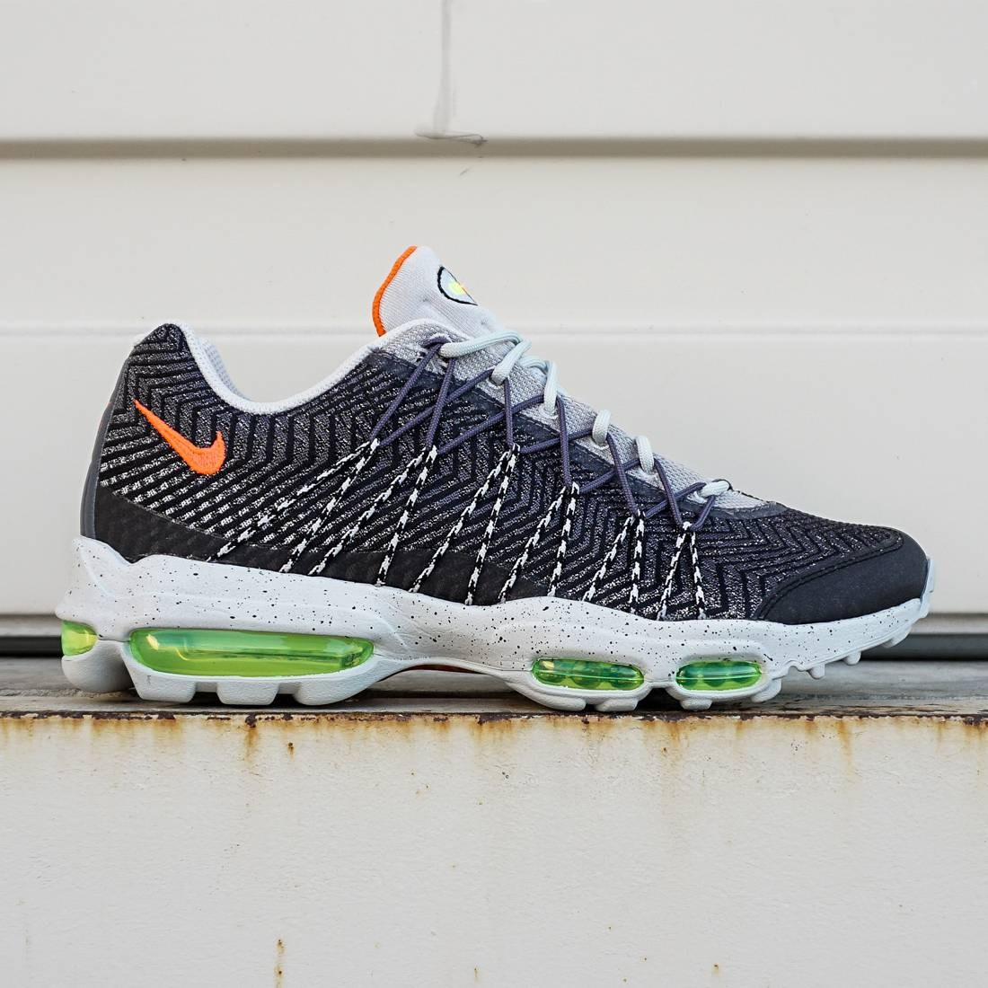 Nike Men Air Max 95 Ultra JCRD (silver bright crimson volt)