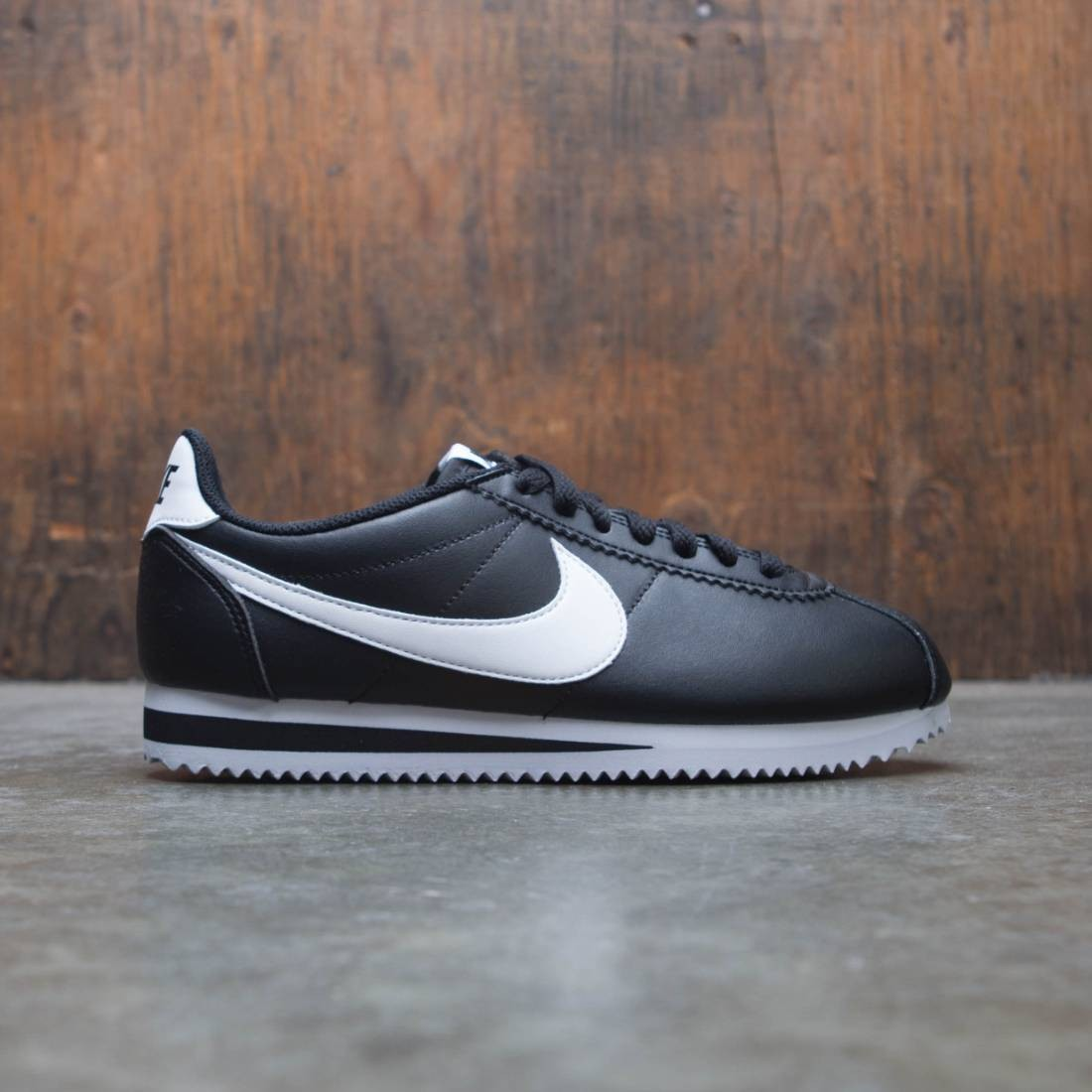 the latest cdc8f c0747 nike women classic cortez leather black white white